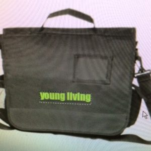 blk green yl bag