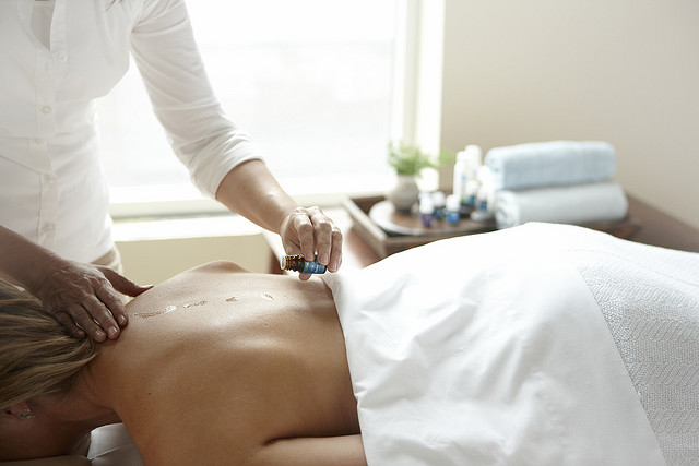 Raindrop_Therapy_Massage